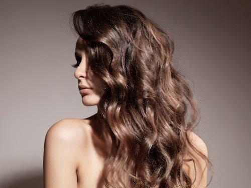 růst vlasů a nehtů